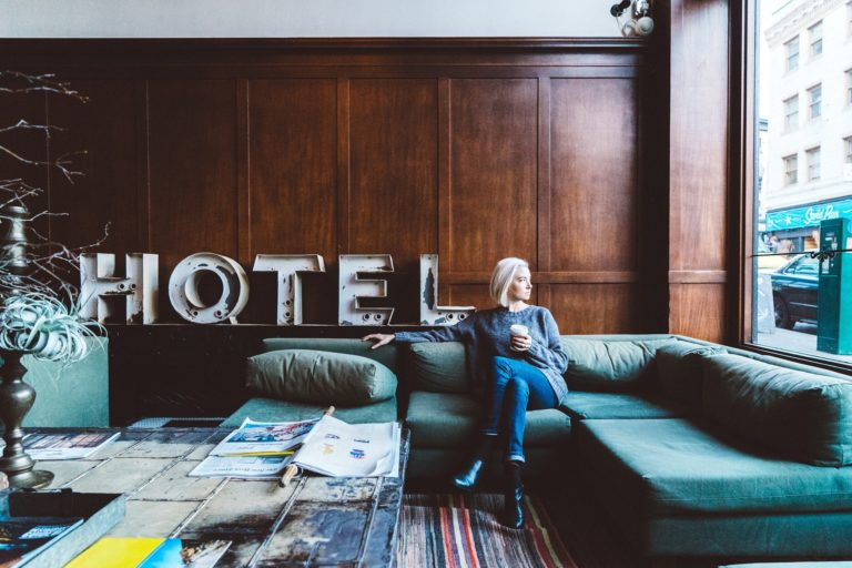 book a Hôtel